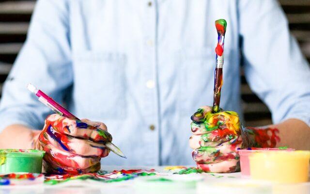 pictura centrul ZalauArt arta plastică pictori copii tineri